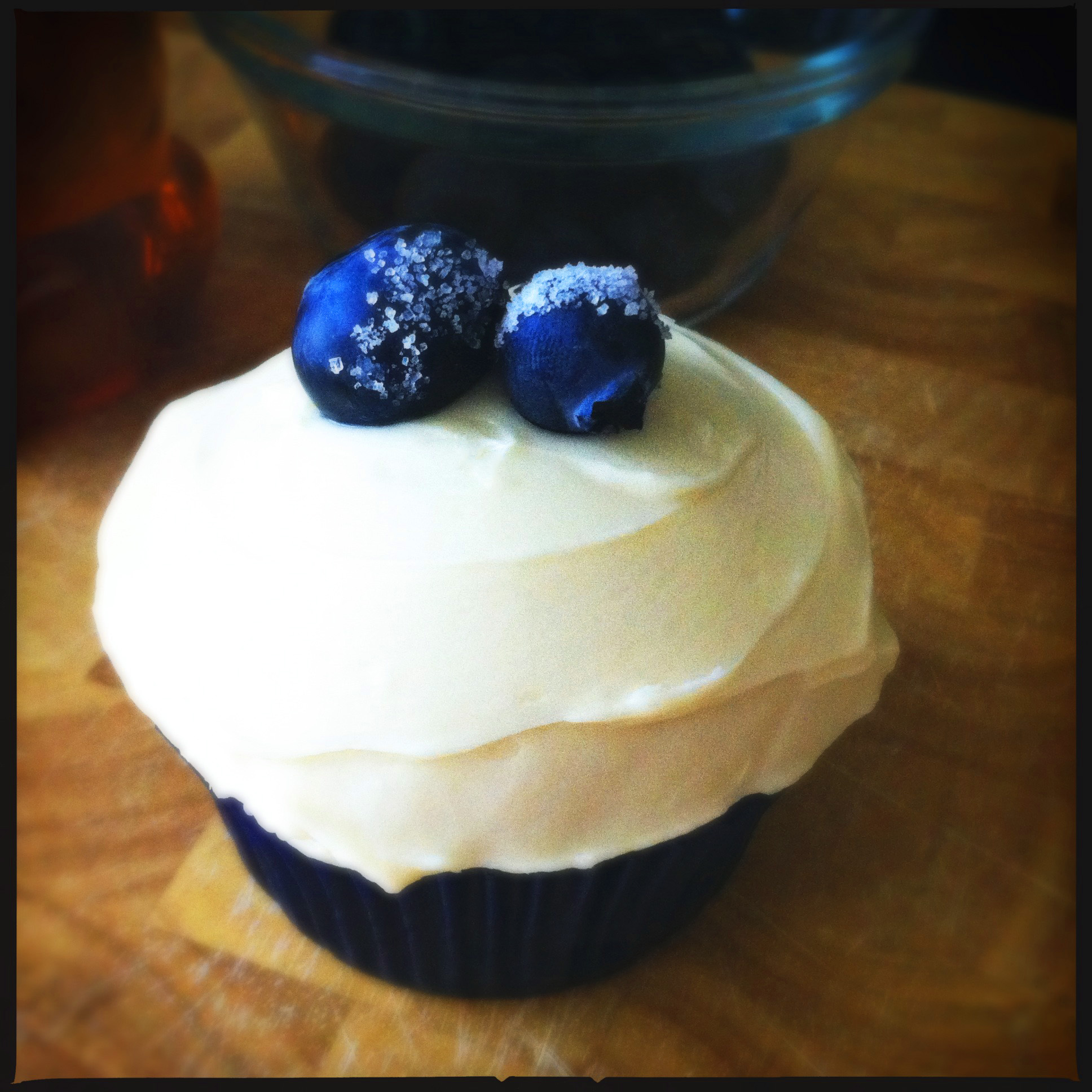 roasted blueberry banana cupcakes