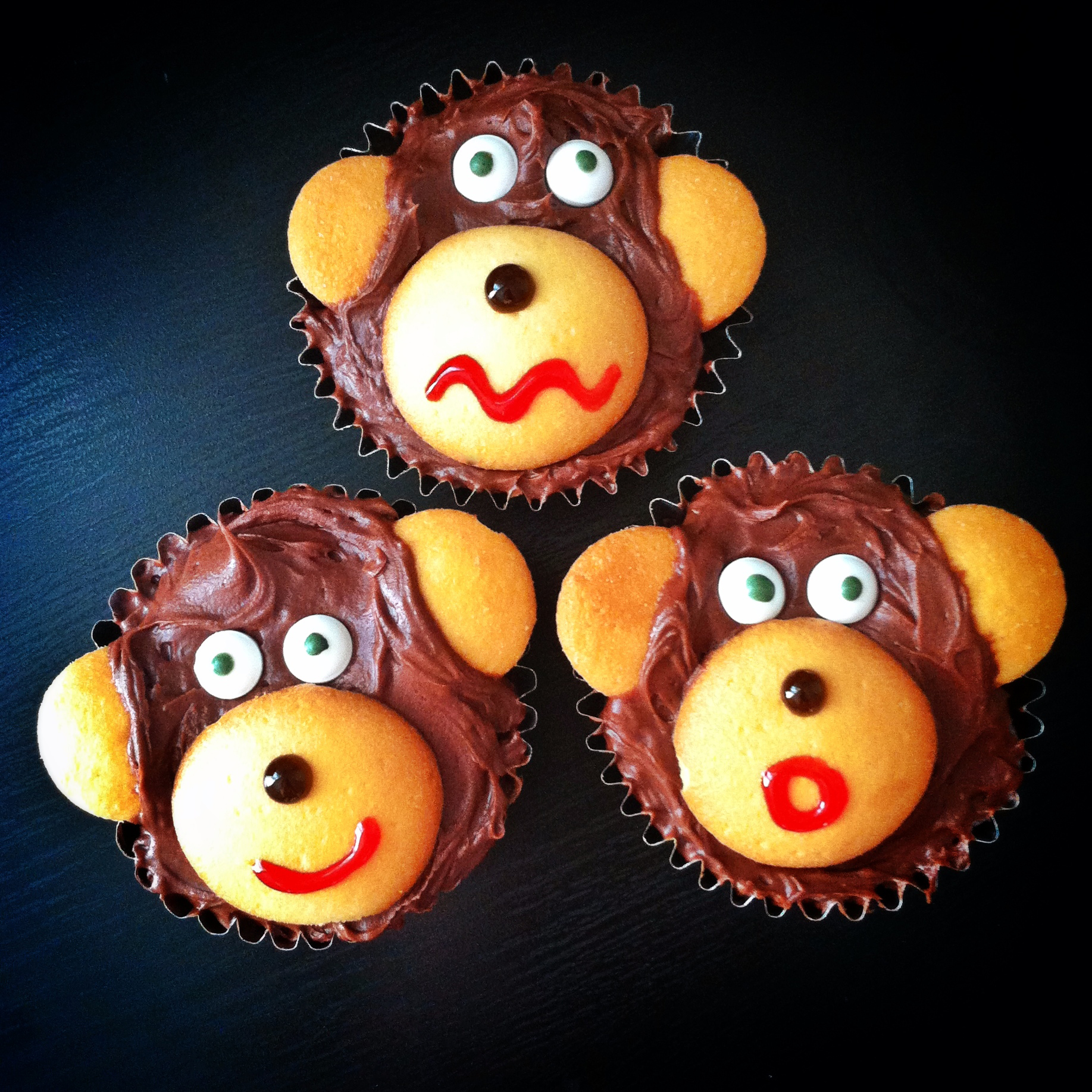 chocolate banana monkey cupcakes
