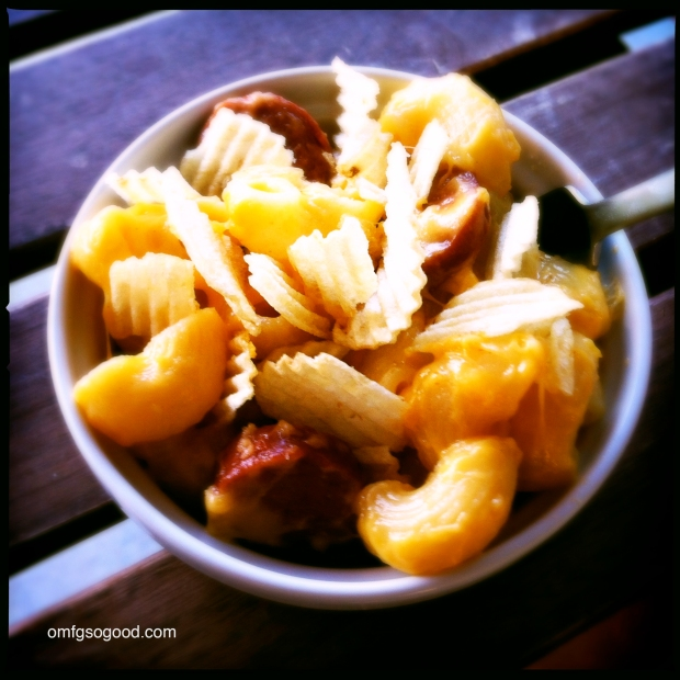 Ballpark Mac n Cheese with Hotdogs and Chips_4
