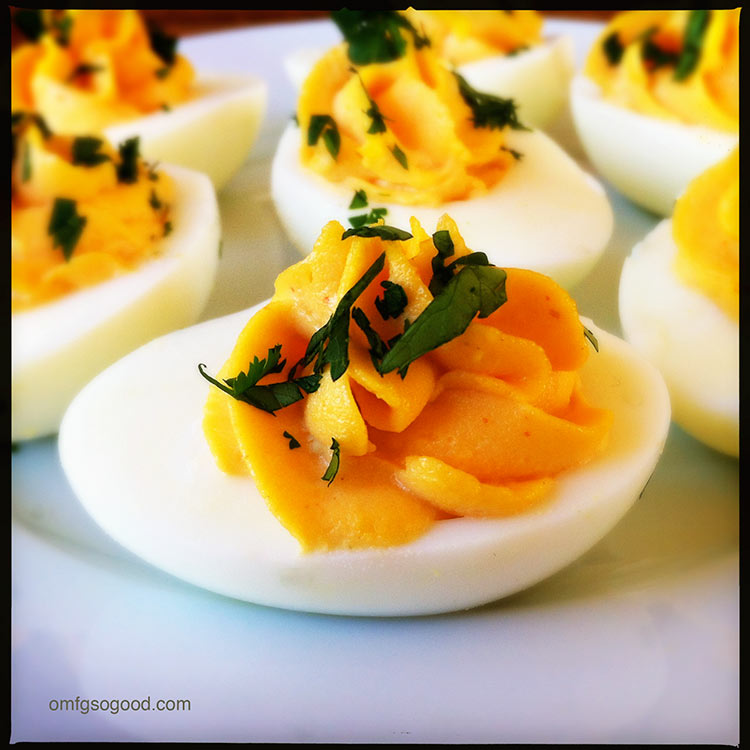 sriracha deviled eggs makes 12 6 hard boiled eggs 3 4 tbsp mayonnaise ...