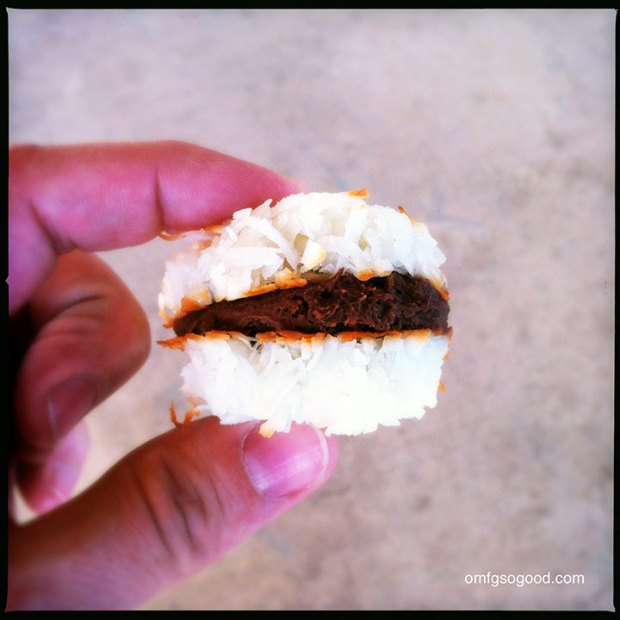 Coconut-Macaroon-Sandwiches-11