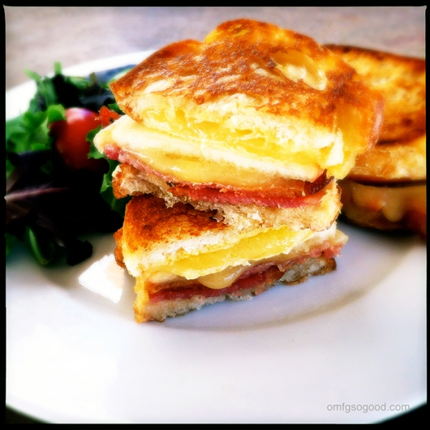 Apple-Bacon-Gouda-Grilled-Cheese-3