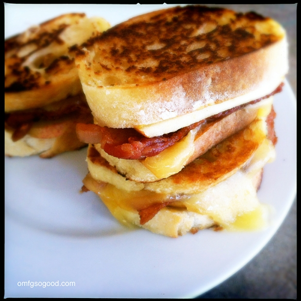 Apple-Bacon-Gouda-Grilled-Cheese-7