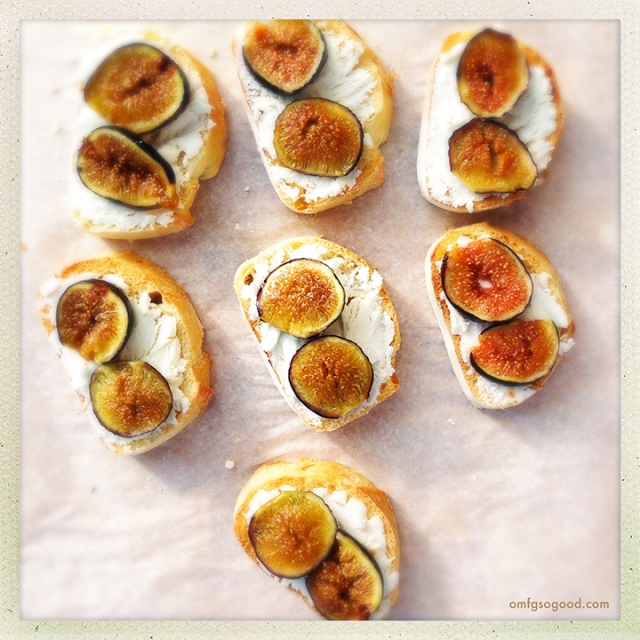 roasted fig and goat cheese crostini | omfg. so good.