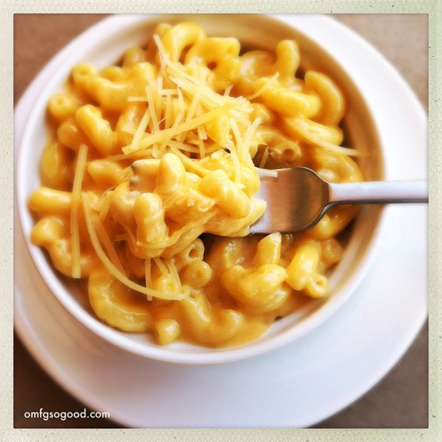Creamy-Stove-Top-Mac-and-Cheese-2