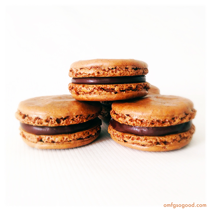 chocolate cinnamon macarons