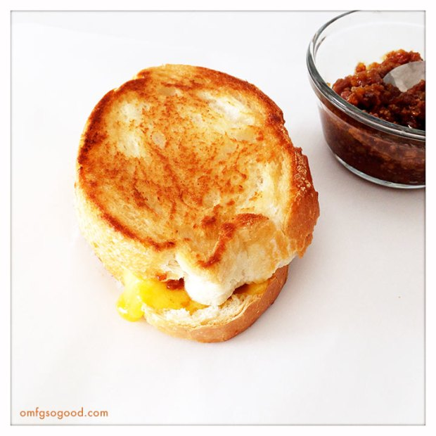 Grilled-Cheese-with-Bacon-Jam-2