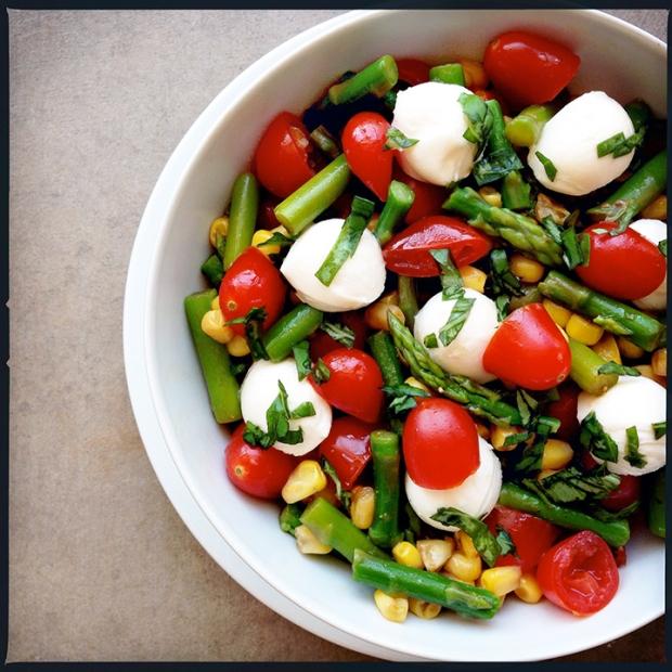 Asparagus-Sweet-Corn-Caprese-Salad1